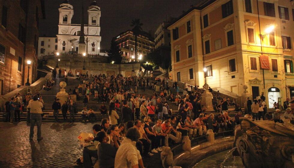 Spansketrappen i Roma, eller Scala di Spagna som den heter på italiensk, er et populært hvilested for turister som besøker byen. Det blir det nå slutt på. Foto: Marianne Løvland / NTB scanpix