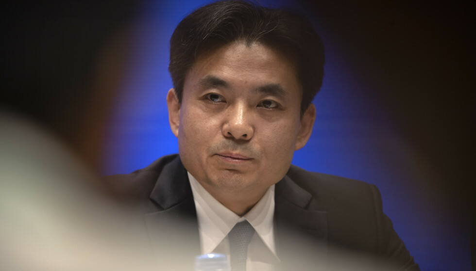 Beijings talsmann for regjeringens Hongkong-kontor, Yang Guang, antyder at demonstranter i Hongkong kan anses som terrorister. Foto: AP / NTB scanpix