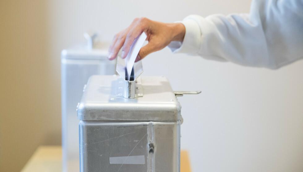 Under forhåndsstemmegivningen kan man avgi sin stemme hvor som helst, ikke bare i kommunen der man er folkeregistrert. På valgdagen må man avgi stemme i kommunen man er manntallsført i. Illustrasjonsfoto: Håkon Mosvold Larsen / NTB scanpix.