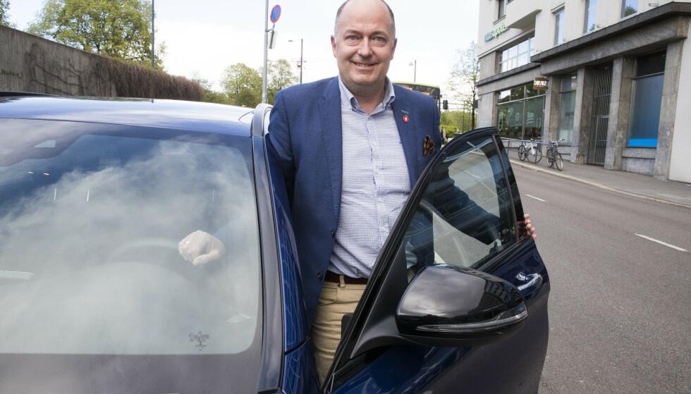 Frps transportpolitiske talsperson Morten Stordalen ønsker å liberalisere regelverket rundt oppkjøring for å korte ned ventetiden for å ta førerkort. Foto: Terje Pedersen / NTB scanpix.