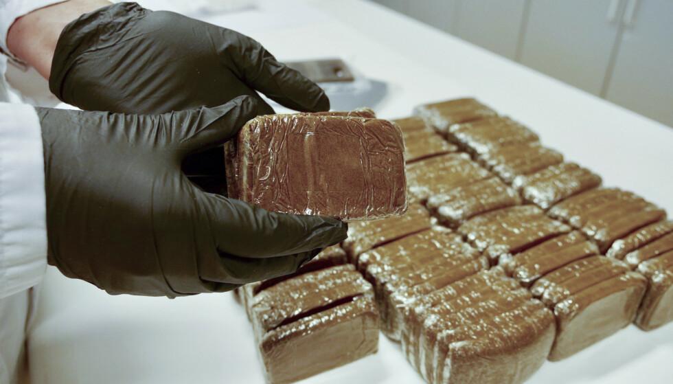 For første gang siden 2014 har tallet på narkotikasaker økt sammenlignet med tidligere år. På bildet hasjbeslag. Foto: Politiet / NTB scanpix