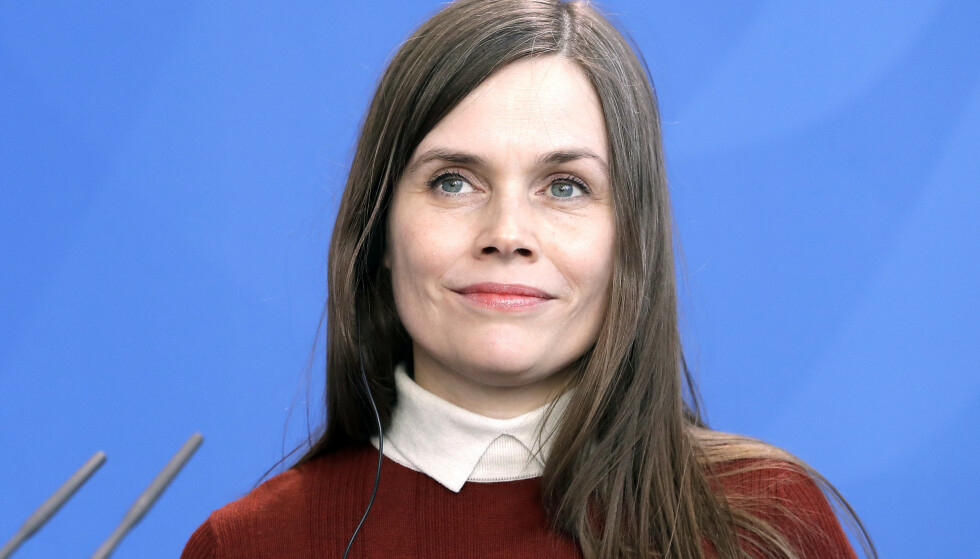 Statsminister Katrín Jakobsdóttir sier det er uaktuelt å dra hjem fra fagforeningskonferansen i Sverige for å møte USAs visepresident Mike Pence i Reykjavik. Foto: AP / NTB scanpix