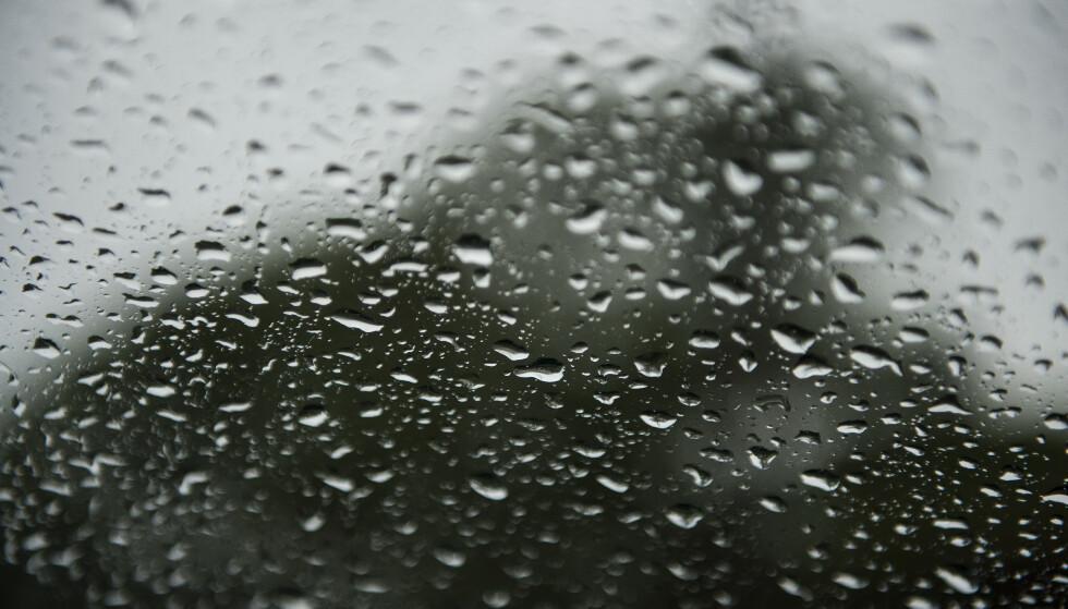 Onsdag og torsdag kan det bli både kraftig regn, varmerekorder, flom og skred. Foto: Carina Johansen / NTB scanpix
