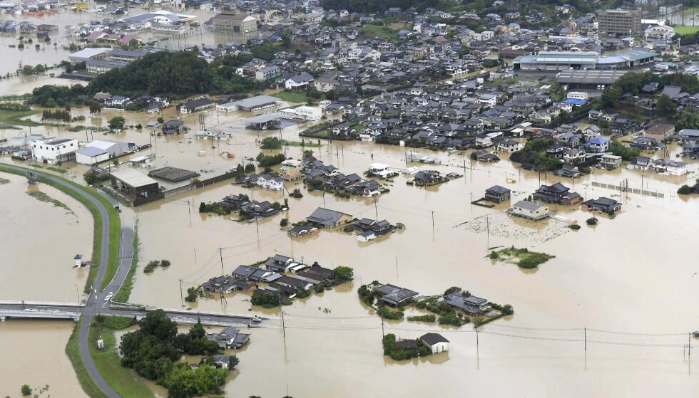 716.000 japanere bedt om å evakuere som følge av skredfare