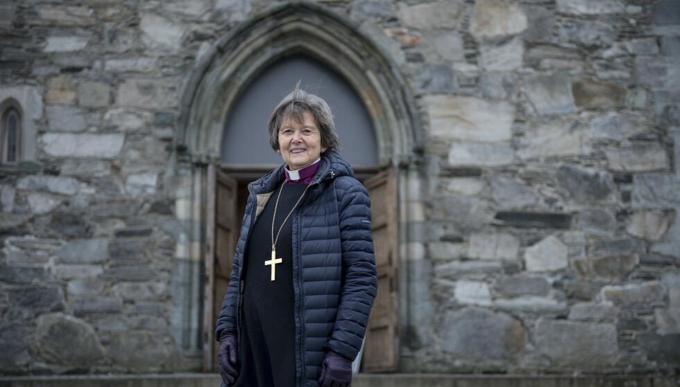 Presens Helga Haugland Byfuglien går av. Her er hun fotografert utenfor domkirken i Stavanger. Foto: Carina Johansen / NTB scanpix.