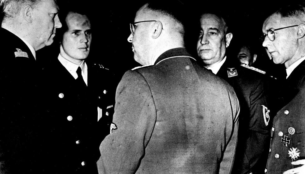 Vidkun Quisling (t.v.) i samtale med politiker i Albert Hagelin Nasjonal Samling og Reichskommisar Josef Terboven. Henrich Himmler står med ryggen til. Arkivfoto: NTB scanpix