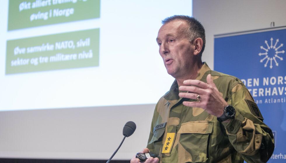 Hæren er ikke i stand til å holde ut til alliert hjelp kommer med dagens ressurser, mener Forsvarets operative sjef Rune Jakobsen. Foto: Ole Berg-Rusten / NTB scanpix