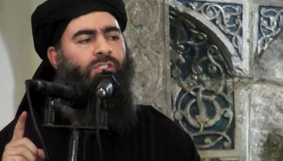 IS-lederen Abu Bakr al-Baghdadi under en tale i en moské i Mosul i Irak i juli 2014. Arkivfoto: Video via AP / NTB scanpix