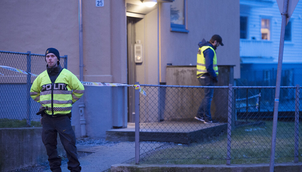 Bergen, 12. mars 2019: Politiet fant en person død og en person hardt skadet i dette huset på Landås. Nå er sønnen siktet. Foto: Marit Hommedal / NTB scanpix