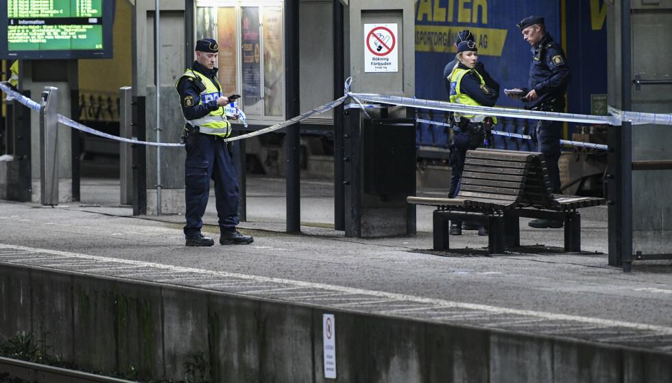 En norsk statsborger er pågrepet og siktet for drapsforsøk etter at en kvinne ble dyttet foran et tog i Lund i Sverige mandag kveld. Hun ble alvorlig skadd. Foto Johan Nilsson / TT / NTB scanpix