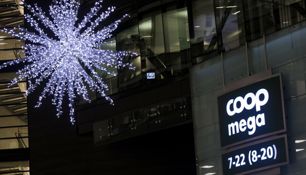 Mange dagligvarebutikker har i desember dumpet prisene på julevarer i kampen om kundene. Det koster dem dyrt. Foto: Terje Pedersen / NTB scanpix