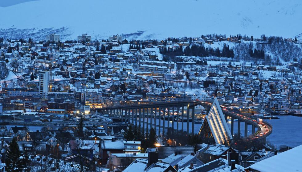 Mørketid i Tromsø tidligere denne uka. Sola kan bli mulig å se i de delene av landsdelen som får den tilbake i disse dager. Foto: Rune Stoltz Bertinussen / NTB scanpix