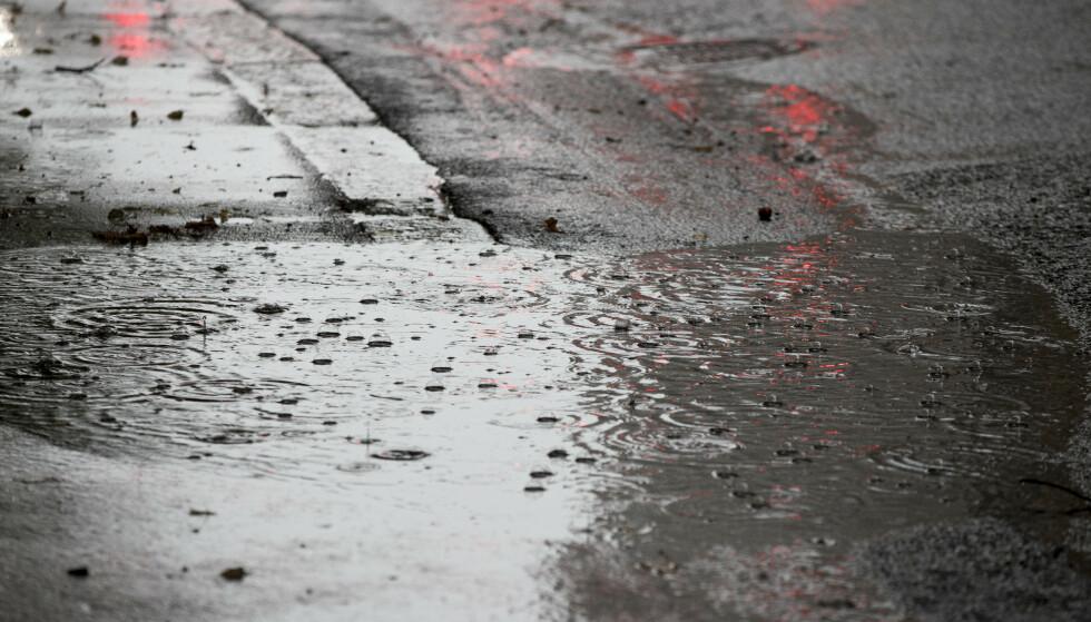 Lavtrykk bringer nedbør over store deler av landet. Foto: Terje Pedersen / NTB scanpix