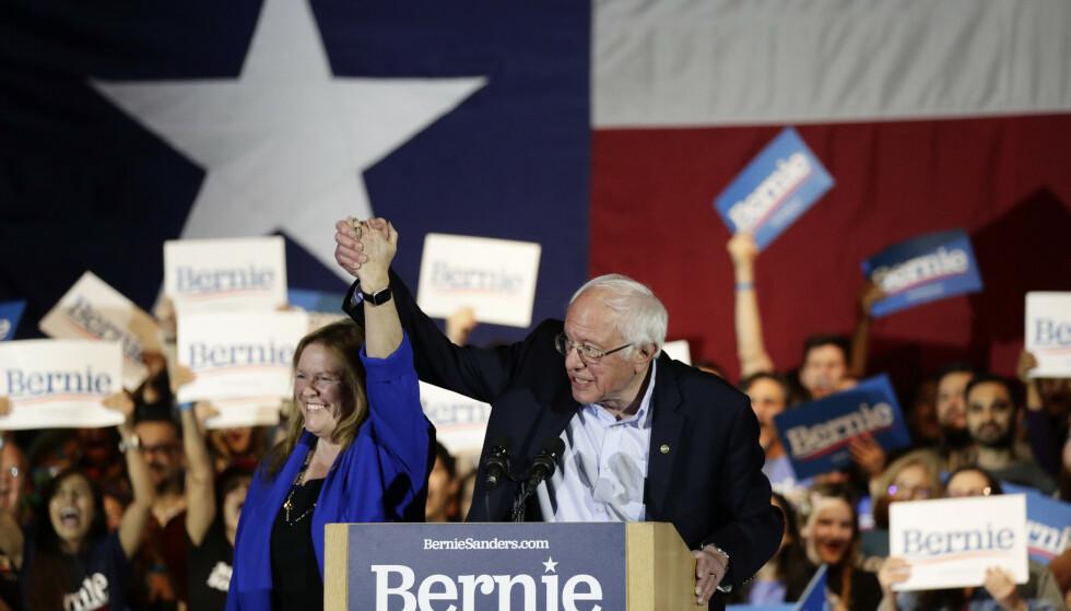 Nominasjonsvalget i Nevada er er det tredje i Demokratenes nominasjonskamp. Bildet viser Bernie Sanders og kona Jane på et valgkamparrangement i San Antonio i Texas lørdag. Foto: Eric Gay/AP/NTB scanpix