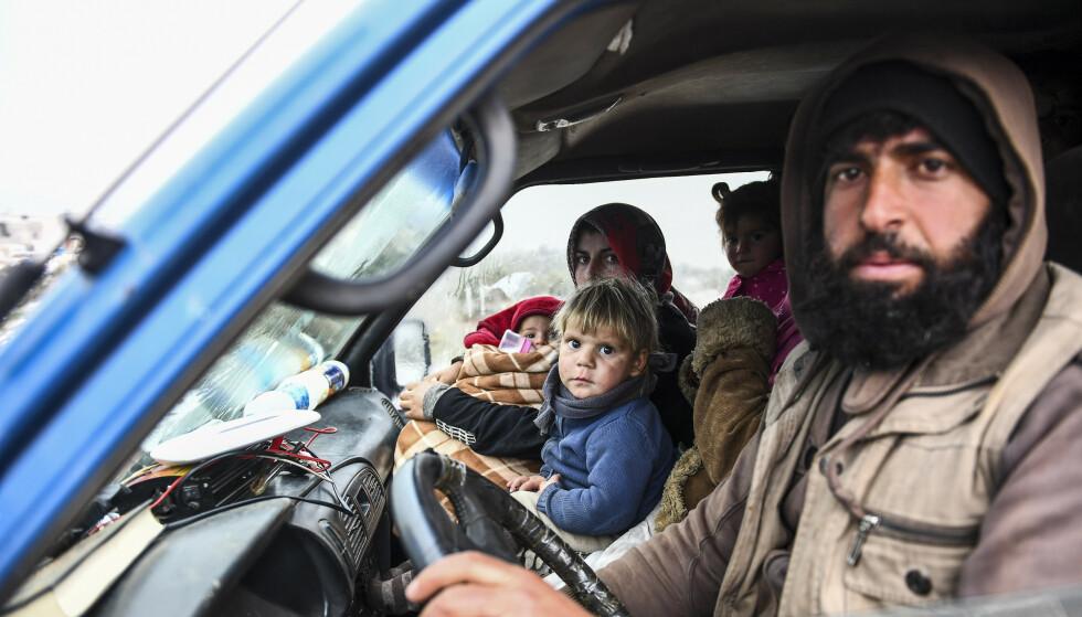 De siste kamphandlingene i Idlib-provinsen nordvest i Syria har drevet nærmere 1 million mennesker på flukt nordover mot grensa til Tyrkia. Foto: AP / NTB scanpix