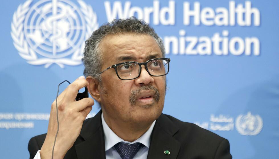 WHOs leder Tedros Adhanom Ghebreyesus sier det er en reell mulighet for at virusutbruddet kan utvikle seg til en pandemi. Foto: Salvatore Di Nolfi / AP / NTB scanpix
