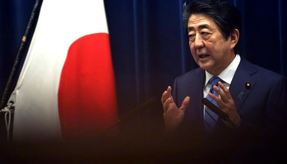 Japans statsminister Shinzo Abe insisterte lørdag på at sommerlekene i Tokyo vil bli gjennomført etter planen. Foto: Eugene Hoshiko, AP / NTB scanpix
