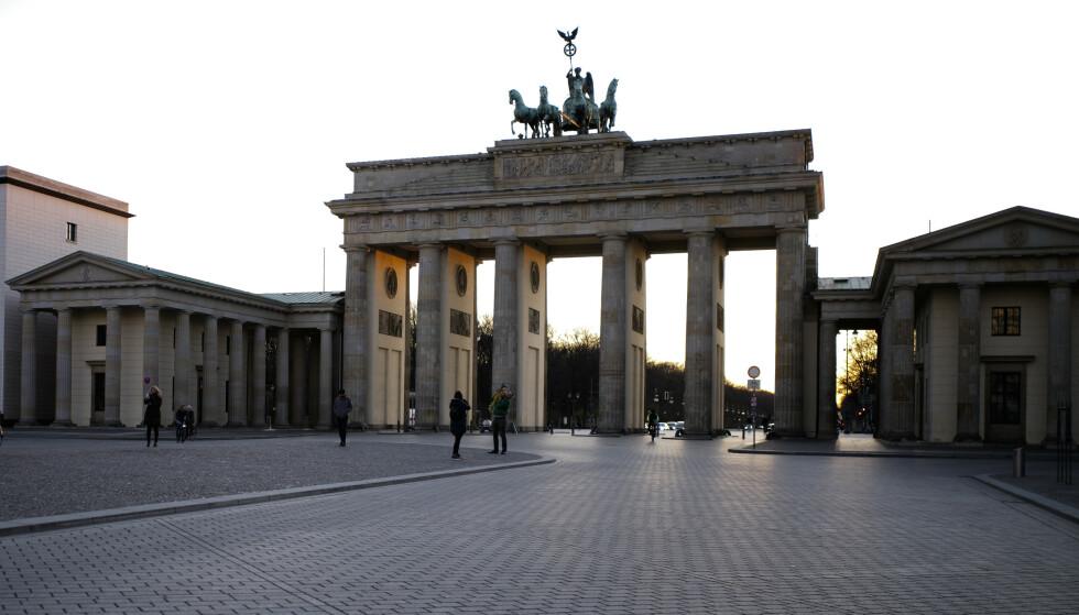 Tyskland har mange bekreftede smittetilfeller, men forholdsvis få koronarelaterte dødsfall. Foto: Markus Schreiber / AP / NTB scanpix