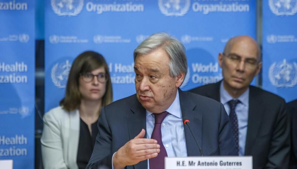 FNs generalsekretær António Guterres ber verdens rike land bistå FN med å bekjempe coronaviruset i land preget av konflikt, katastrofer og med manglende helsetjenester. Foto: AP / NTB scanpix