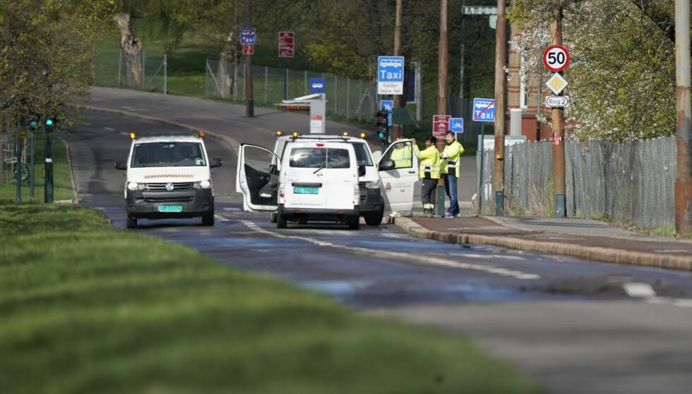 Ring 2 utenfor Ullevål sykehus ble stengt lørdag formiddag som følge av en større vannlekkasje. Foto: Fredrik Hagen / NTB scanpix