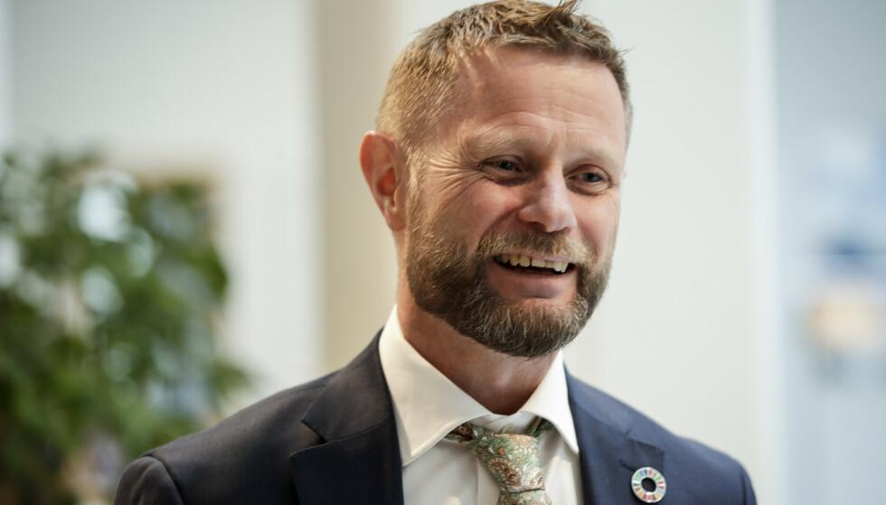 Helse- og omsorgsminister Bent Høie på den daglige pressekonferansen i marmorsalen i Klima- og miljødepartementet. Foto: Vidar Ruud / NTB scanpix