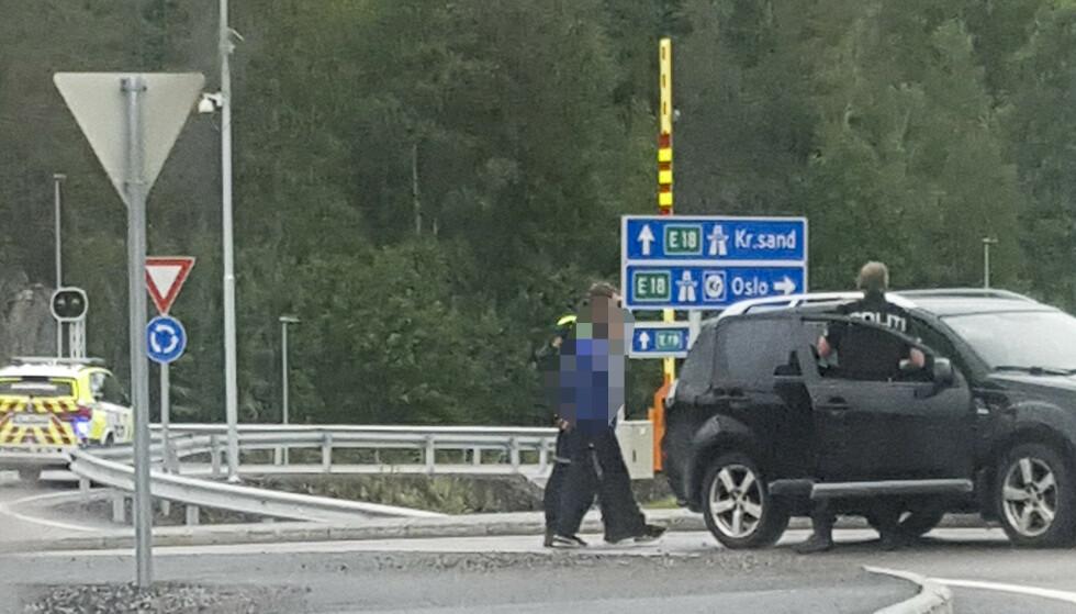 En kvinne ble tatt med som gissel i et kjøretøy. To menn er pågrepet, og kvinnen er uskadd. Et mistet hasjparti kan ligge bak hendelsen. Foto: Kristoffer Isaksen / NTB scanpix
