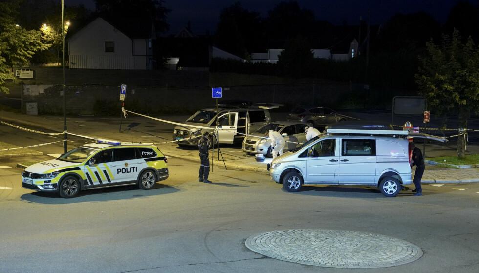 Tre kvinner ble knivstukket i Sarpsborg sent tirsdag kveld. En kvinne i 50-årene døde av skadene. En 31 år gammel mann er siktet for drap og drapsforsøk. Foto: Fredrik Hagen / NTB scanpix