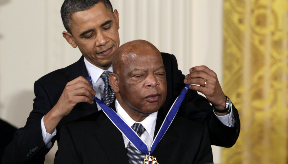 President Barack Obama ga John Lewis USAs øverste sivile utmerkelse i 2011. Foto: Carolyn Kaster / AP / NTB scanpix