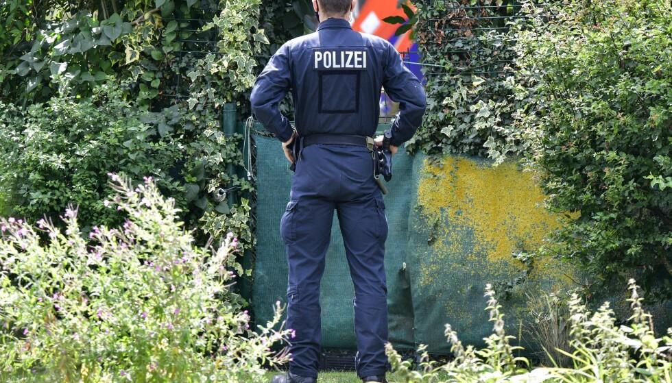 Tysk politi har avsluttet søket i kolonihagen i utkanten av Hannover nord i landet. Så langt er det ikke kommet opplysninger om hva politiet har lett etter, heller ikke om det er funnet noe som kan knyttes til Madeleine McCanns forsvinning. Foto: Martin Meissner / AP / NTB scanpix