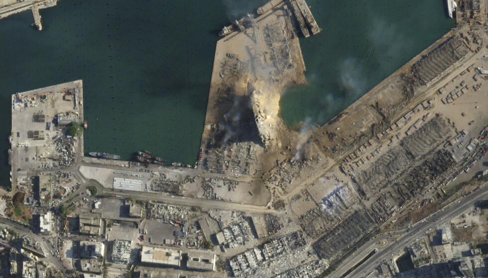 Et satellittbilde viser omfanget av skadene i Beirut havn etter de kraftige eksplosjonene tirsdag. Foto: Planet Labs Inc./AP/NTB scanpix.