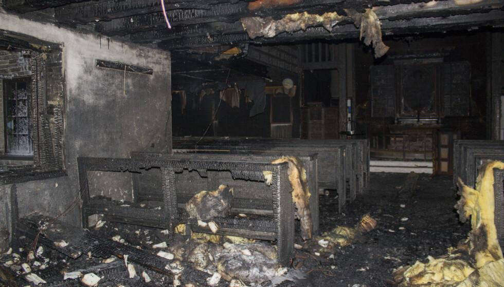 Dombås  20200220.  Innsiden av Dombås kirke etter brannen natt til torsdag. Foto: Simen Rudiløkken / NTB scanpix