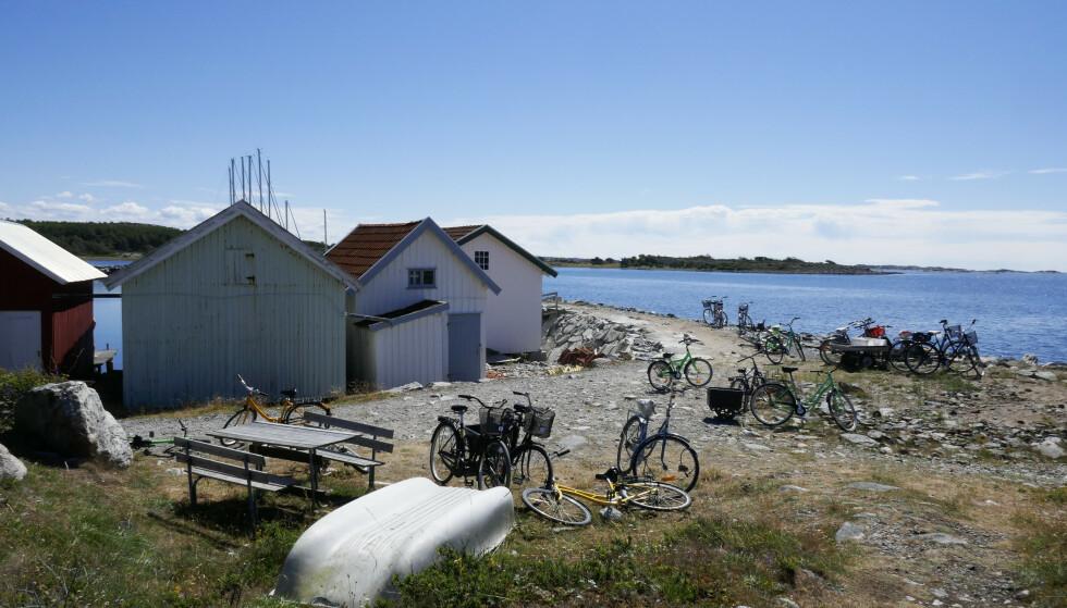 Advokatfirmaet Andersen & Bache-Wiig vil saksøke staten på vegne av nordmenn som eier hytter i Sverige, som her på Kosterøyene. Foto: Erik Johansen / NTB scanpix