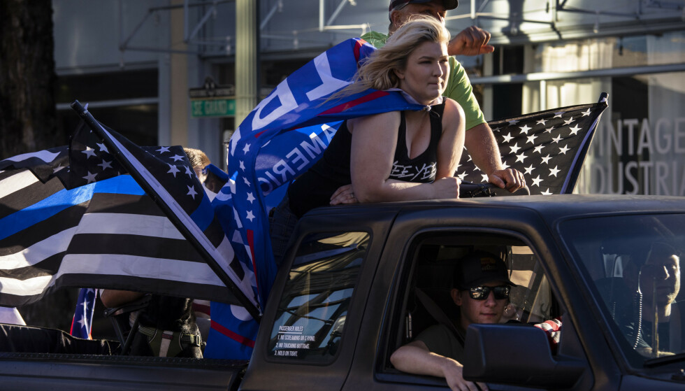 En bilkolonne til støtte for president Donald Trump ankom lørdag Portland for tredje helg på rad. Foto: Paula Bronstein / AP / NTB scanpix