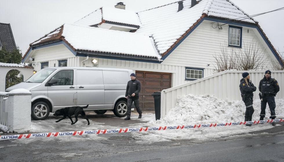 Politiet ransakte og sperret av boligen til justisminister Tor Mikkel Wara (Frp) i Oslo torsdag 14. mars. Samme dag ble Laila Anita Bertheussen pågrepet av Politiets sikkerhetstjeneste, siktet for å ha tent på parets bil for å vekke mistanke om at en straffbar handling var begått, uten at den var det. Foto: Heiko Junge / NTB scanpix