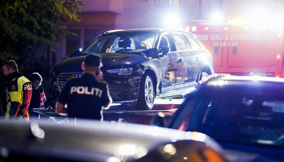 En bil kjørte inn i rundt 20 biler samt flere bygninger på Frogner. En person ble skadd. Føreren er siktet for kjøring i ruset tilstand. Foto: Fredrik Hagen / NTB scanpix