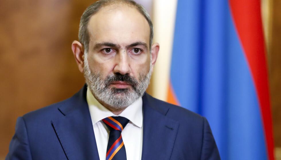 Armenias statsminister Nikol Pasjinian da han holdt en TV-sendt tale i slutten av september. Foto: Tigran Mehrabyan, Government Press Office, PAN Photo via AP / NTB