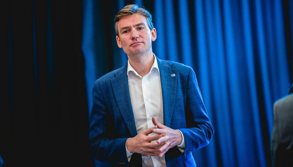 Arbeids- og sosialminister Henrik Asheim (H) varsler styrket satsing på arbeidsmarkedstiltak i regjeringens forslag til statsbudsjett for 2021. Foto: Stian Lysberg Solum / NTB