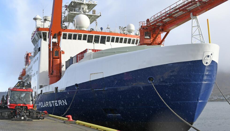 Den tyske isbryteren og forskningsskipet Polarstern ved kai i Tromsø før den la ut på en ekspedisjon til Arktis, der den ble isfast for å drive med isen. Foto: Rune Stoltz Bertinussen / NTB