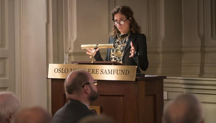 Seniorforsker Julie Wilhelmsen under et foredrag i Oslo. Foto: Heiko Junge / NTB