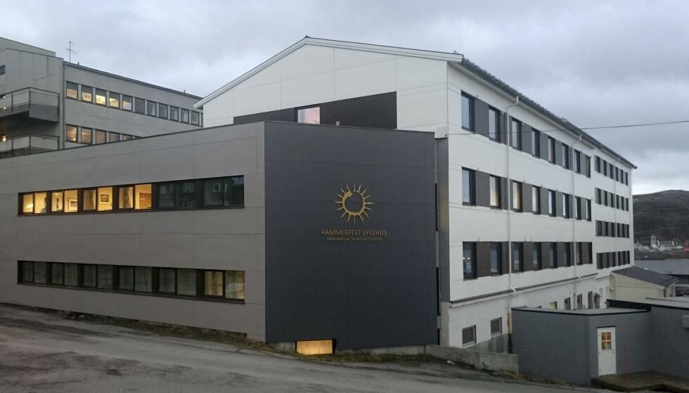 Arkivbilde av Hammerfest sykehus, der ti ansatte er smittet. OBS fotokredit Foto: Finnmarkssykehuset / NTB