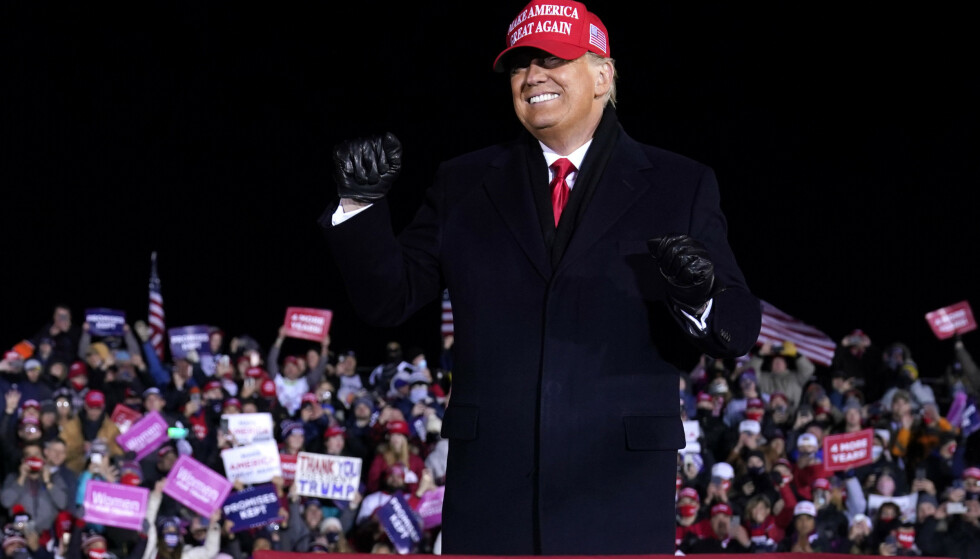 USAs president Donald Trump på et valgmøte i Michigan tirsdag. Foto: Evan Vucci / AP / NTB