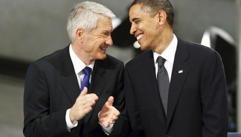 Krig er av og til nødvendig, sa Barack Obama da han mottok Nobels fredspris i 2009. Her er han samen med Nobelkomiteens daværende leder Thorbjørn Jagland under utdelingen i Oslo rådhus. Foto: Cornelius Poppe / NTB