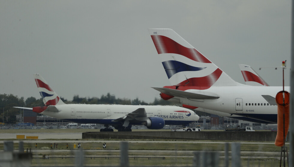 England letter på innreisereglene før jul. Her er British Airways-fly på rullebanen ved Heathrow i London. Foto: Matt Dunham
