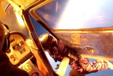 Image: Vanvittig opptak av flykrasj