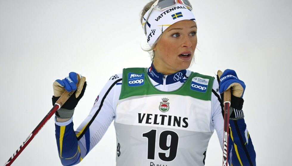 Frida Karlsson og resten av det svenske langrennslandslaget blir ikke å se i verdenscupen med det første. Foto: Emmi Korhonen / Lehtikuva / NTB