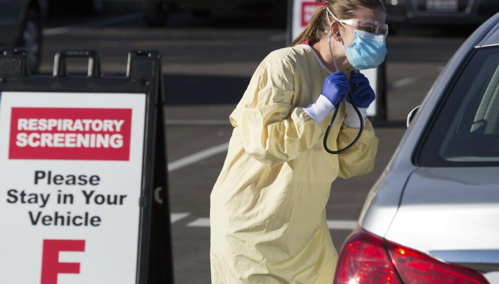 En person testes for coronaviruset ved en klinikk i Boise i Idaho. Foto: Otto Kitsinger / AP / NTB