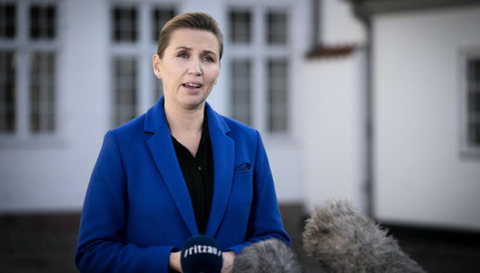 Danmarks statsminister Mette Frederiksen skal angivelig sende skoleelever i 38 kommuner hjem. Foto: Liselotte Sabroe / Ritzau Scanpix via AP / NTB