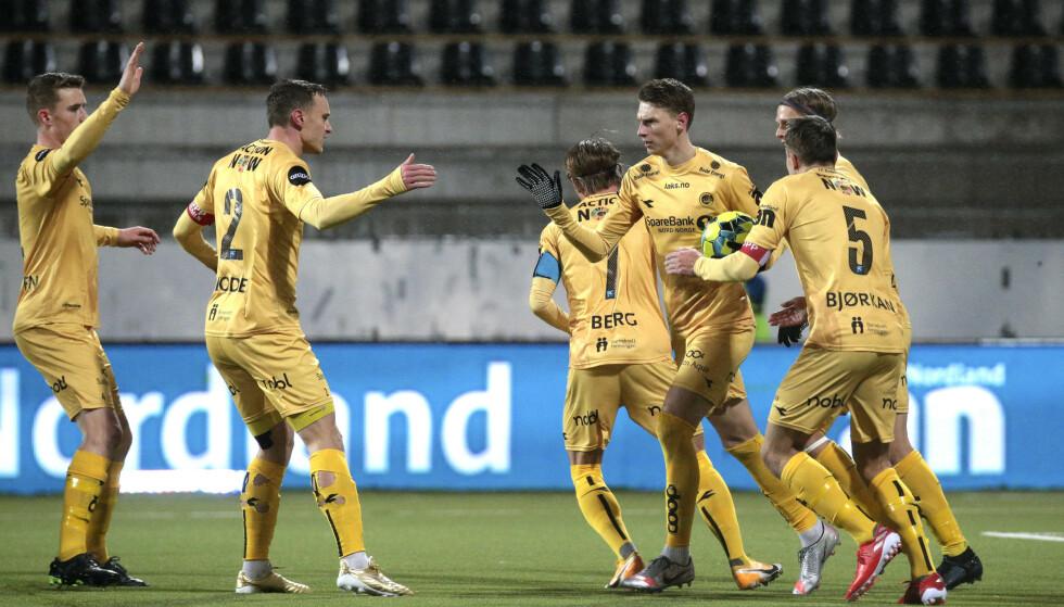 Bodø/Glimt-spillerne jubler etter at Kasper Junker ordnet 2-0 mot Viking. Foto: Mats Torbergsen / NTB