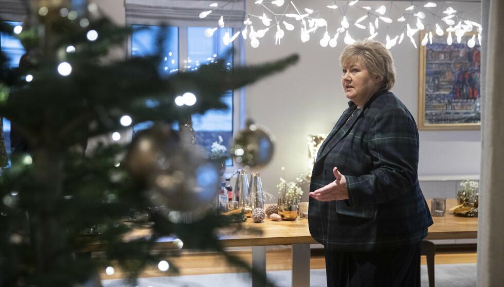 Statsminister Erna Solberg (H) vurderte om det var nødvendig å stenge ned det norske samfunnet i julehøytiden for å få kontroll på smittespredningen. Foto: Berit Roald / NTB