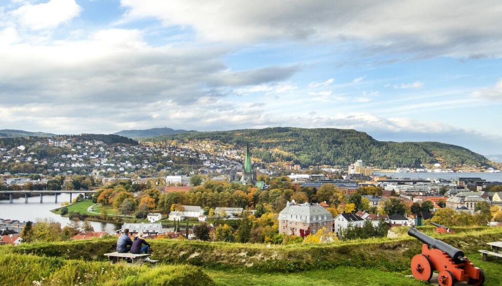 Smitten blusser opp i Trondheim. Mandag ble det registrert 44 nye smittede i kommunen. Foto: Gorm Kallestad / NTB
